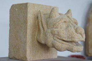 gargouille en pierre sculpteur bruno marson ernolsheim bruche strasbourg